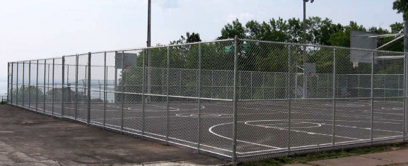 Chain link fence is a durable product that comes in a variety of sizes and colors